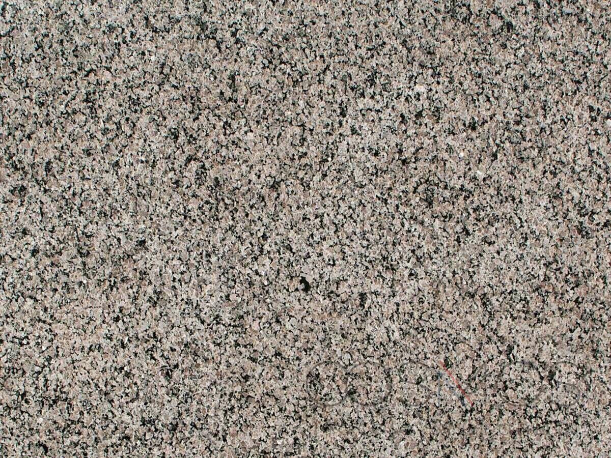 caledonia-granite_2