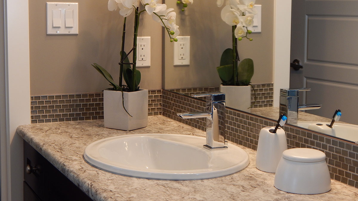 Home Advice for Newlyweds: DIY Bathroom Project